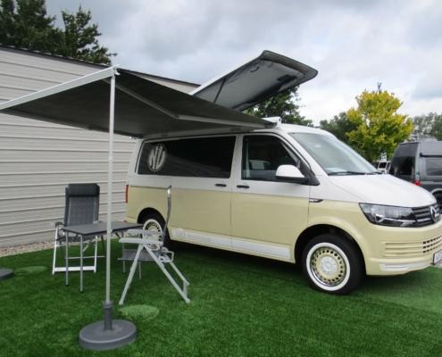 VW Bus zweifarbig Messe DIY Folierung Dip Sprühfolie